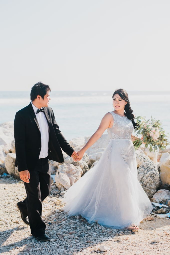 Tropical Island Pre-Wedding at Serangan by Honey Wedding & Event Bali - 019