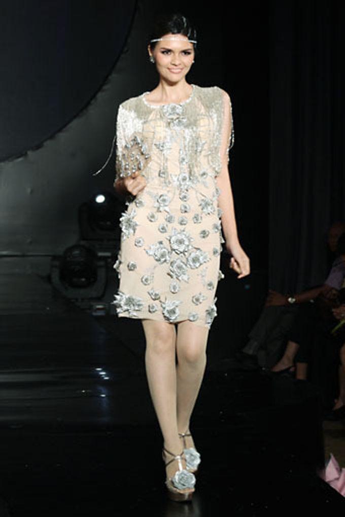 The Fringe by Barli Asmara Couture - 013