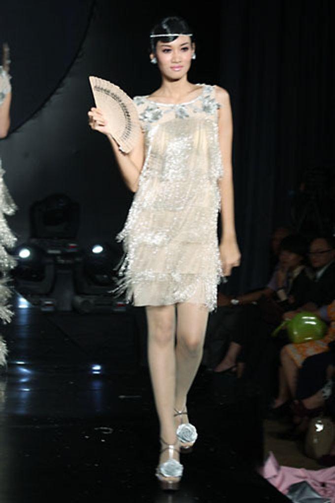 The Fringe by Barli Asmara Couture - 014