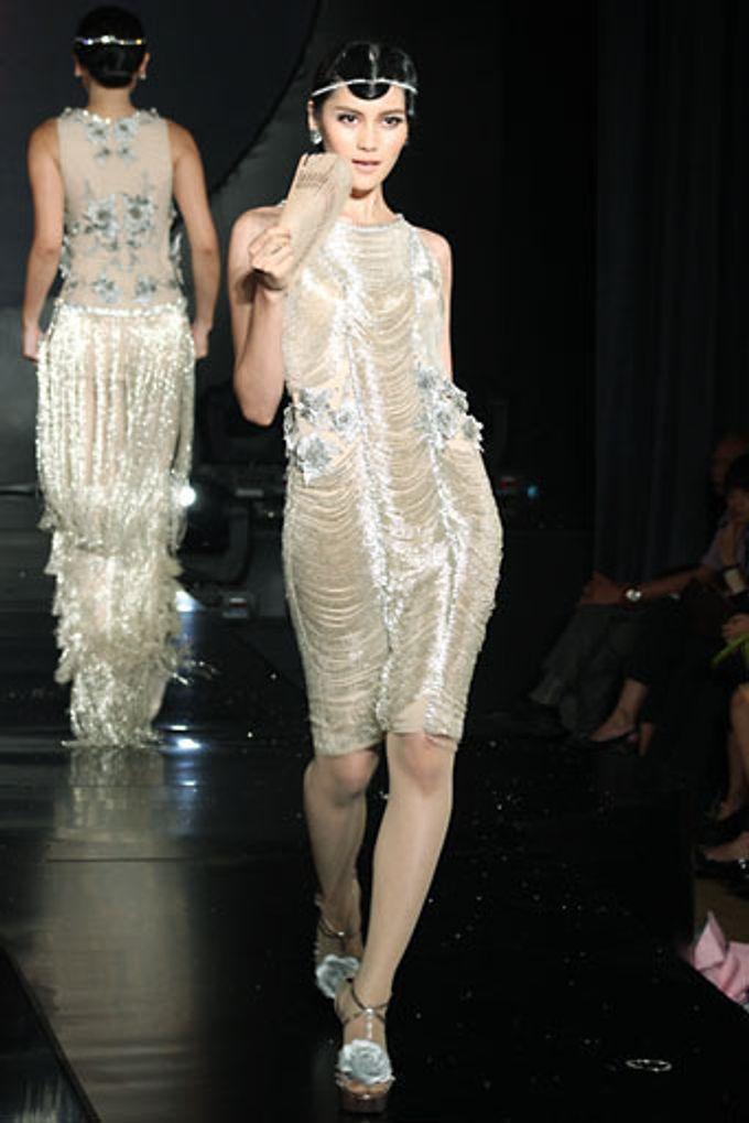 The Fringe by Barli Asmara Couture - 015