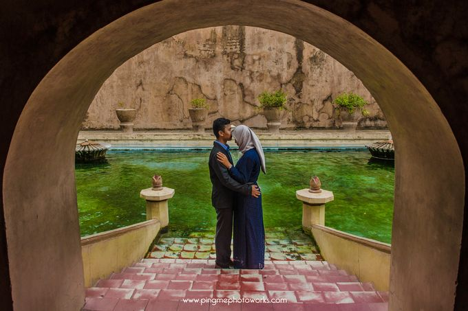 Pre-wedding Of Yuli & Ilham by PING Me Photoworks - 001
