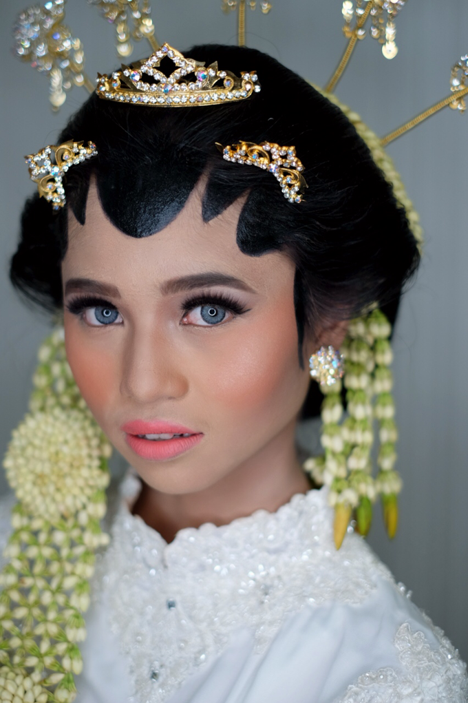 Javanese Bride by Arini Makeup Artist - 002