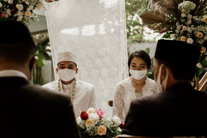 Ario & Abel Wedding at Azila Villa by AKSA Creative - 004