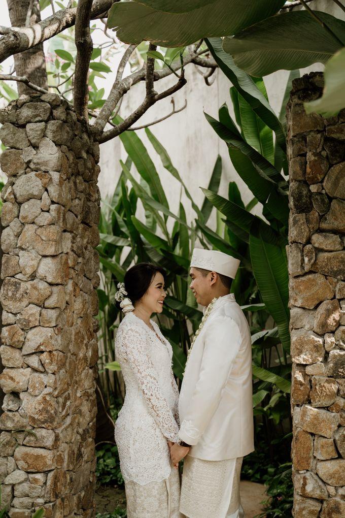 Ario & Abel Wedding at Azila Villa by AKSA Creative - 010