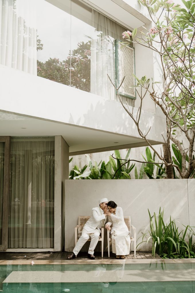 Ario & Abel Wedding at Azila Villa by AKSA Creative - 014