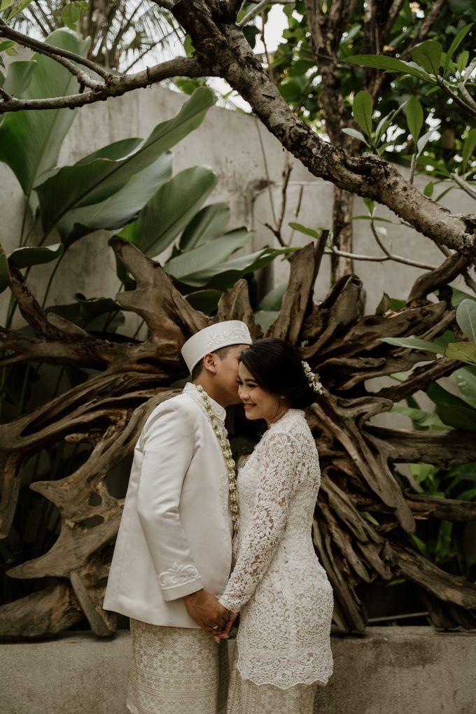 Ario & Abel Wedding at Azila Villa by AKSA Creative - 016