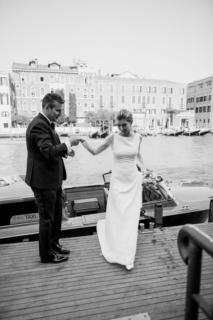Romantic Wedding in Venice by Bridal Luxury Beauty Service - 012