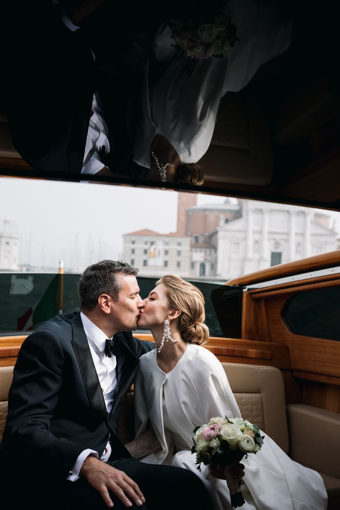 Romantic Wedding in Venice by Bridal Luxury Beauty Service - 018