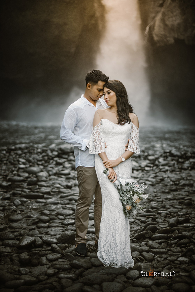 Prewedding photo Ngurah & Intan by ARTGLORY BALI - 011