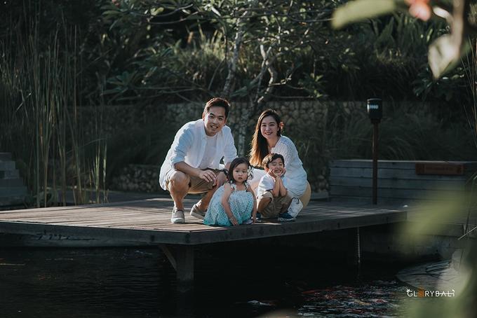 Brian & Anna's Family by ARTGLORY BALI - 007