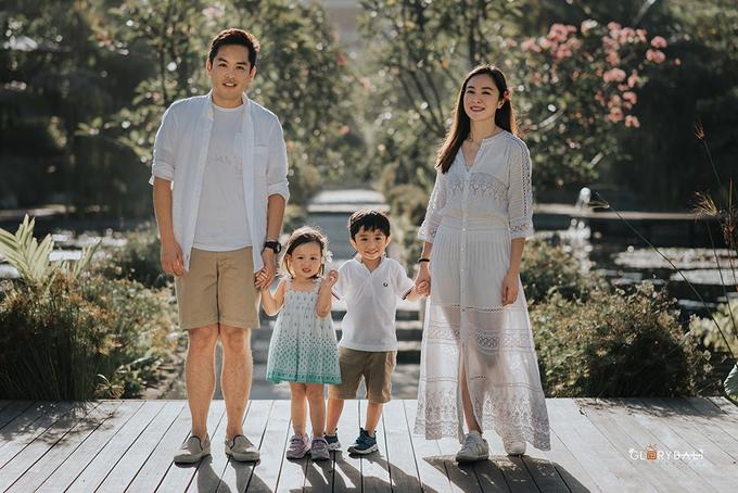 Brian & Anna's Family by ARTGLORY BALI - 009