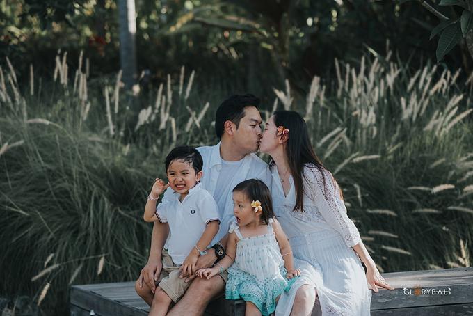 Brian & Anna's Family by ARTGLORY BALI - 012