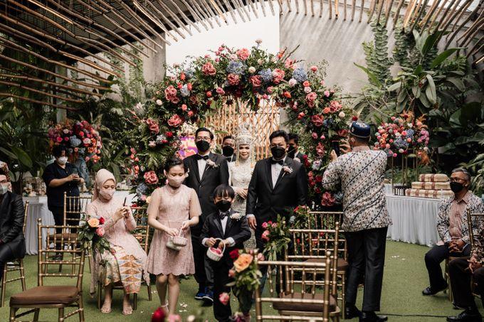 Arum & Fachri Wedding at The Allwynn Ballroom Jakarta by AKSA Creative - 003
