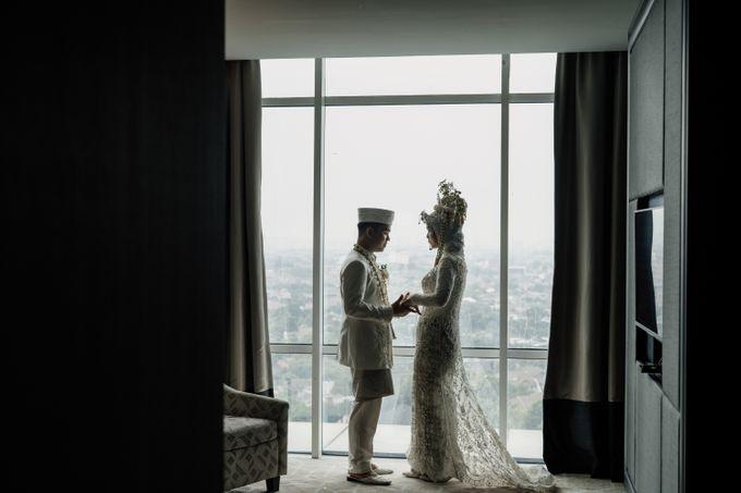 Arum & Fachri Wedding at The Allwynn Ballroom Jakarta by AKSA Creative - 007