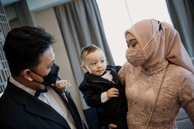 Arum & Fachri Wedding at The Allwynn Ballroom Jakarta by AKSA Creative - 014