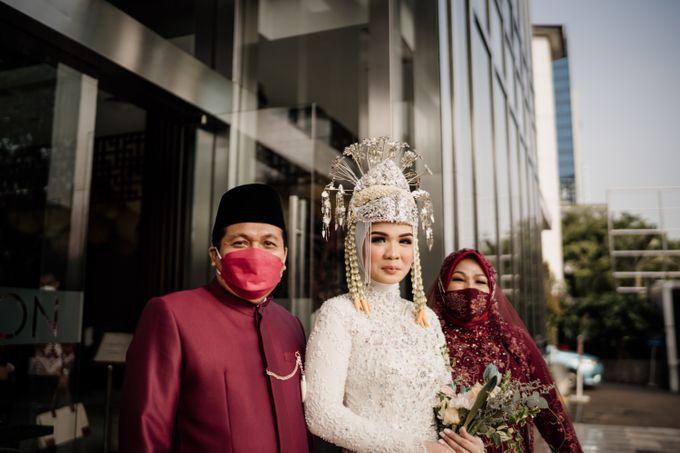 Arum & Fachri Wedding at The Allwynn Ballroom Jakarta by AKSA Creative - 016