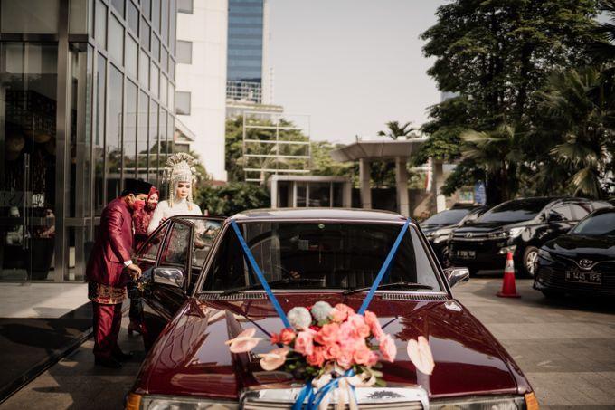 Arum & Fachri Wedding at The Allwynn Ballroom Jakarta by AKSA Creative - 017