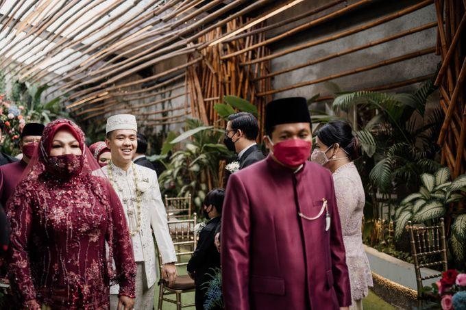 Arum & Fachri Wedding at The Allwynn Ballroom Jakarta by AKSA Creative - 023