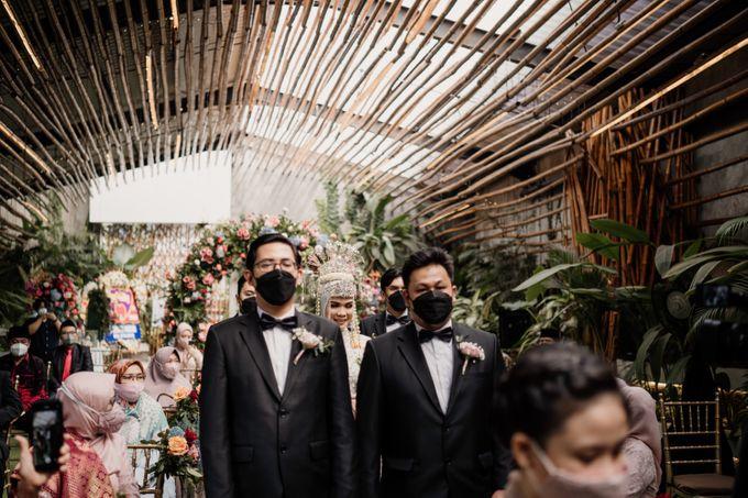 Arum & Fachri Wedding at The Allwynn Ballroom Jakarta by AKSA Creative - 027