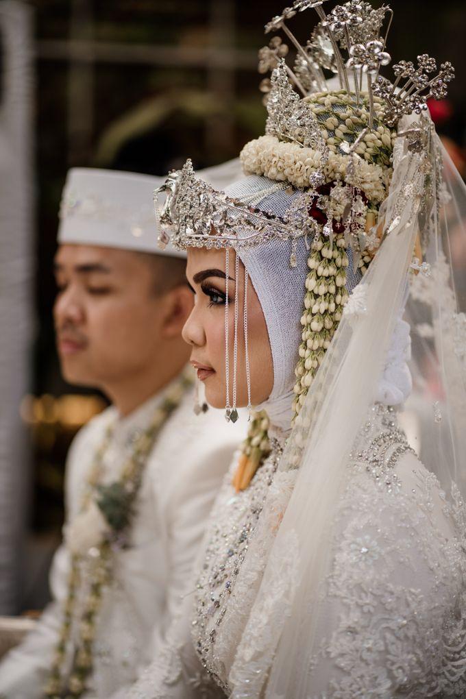 Arum & Fachri Wedding at The Allwynn Ballroom Jakarta by AKSA Creative - 029