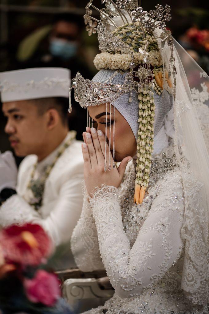 Arum & Fachri Wedding at The Allwynn Ballroom Jakarta by AKSA Creative - 031