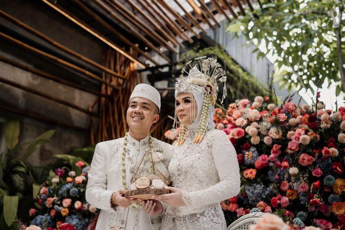 Arum & Fachri Wedding at The Allwynn Ballroom Jakarta by AKSA Creative - 032