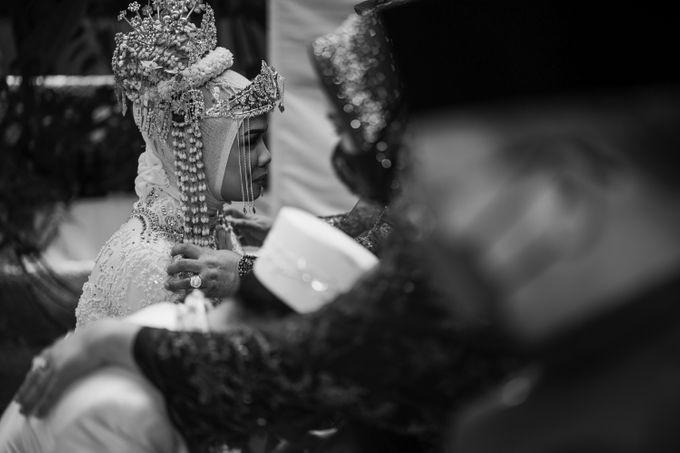 Arum & Fachri Wedding at The Allwynn Ballroom Jakarta by AKSA Creative - 033