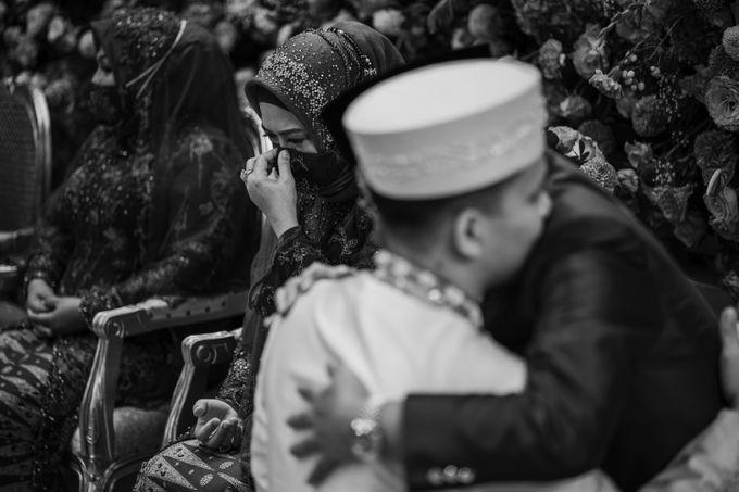 Arum & Fachri Wedding at The Allwynn Ballroom Jakarta by AKSA Creative - 034