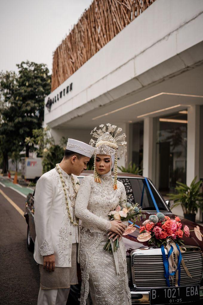 Arum & Fachri Wedding at The Allwynn Ballroom Jakarta by AKSA Creative - 037