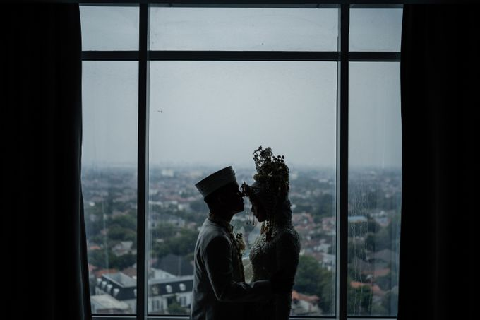 Arum & Fachri Wedding at The Allwynn Ballroom Jakarta by AKSA Creative - 040