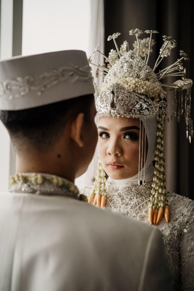 Arum & Fachri Wedding at The Allwynn Ballroom Jakarta by AKSA Creative - 041