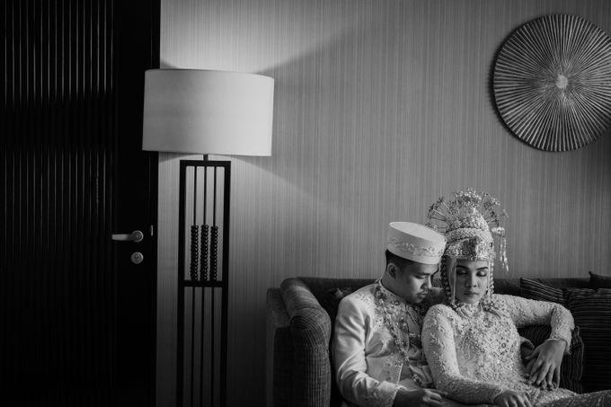 Arum & Fachri Wedding at The Allwynn Ballroom Jakarta by AKSA Creative - 045