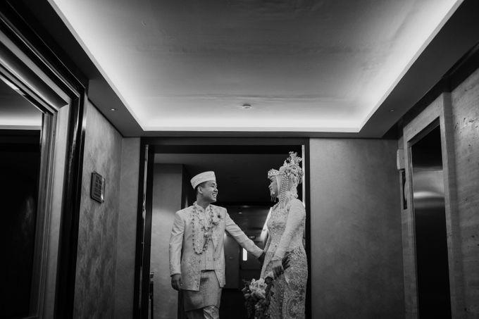 Arum & Fachri Wedding at The Allwynn Ballroom Jakarta by AKSA Creative - 047
