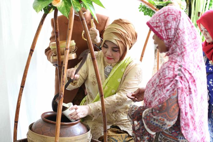 Siraman Mba Putri by Arum Ndalu Sanggar Rias Pengantin - 007