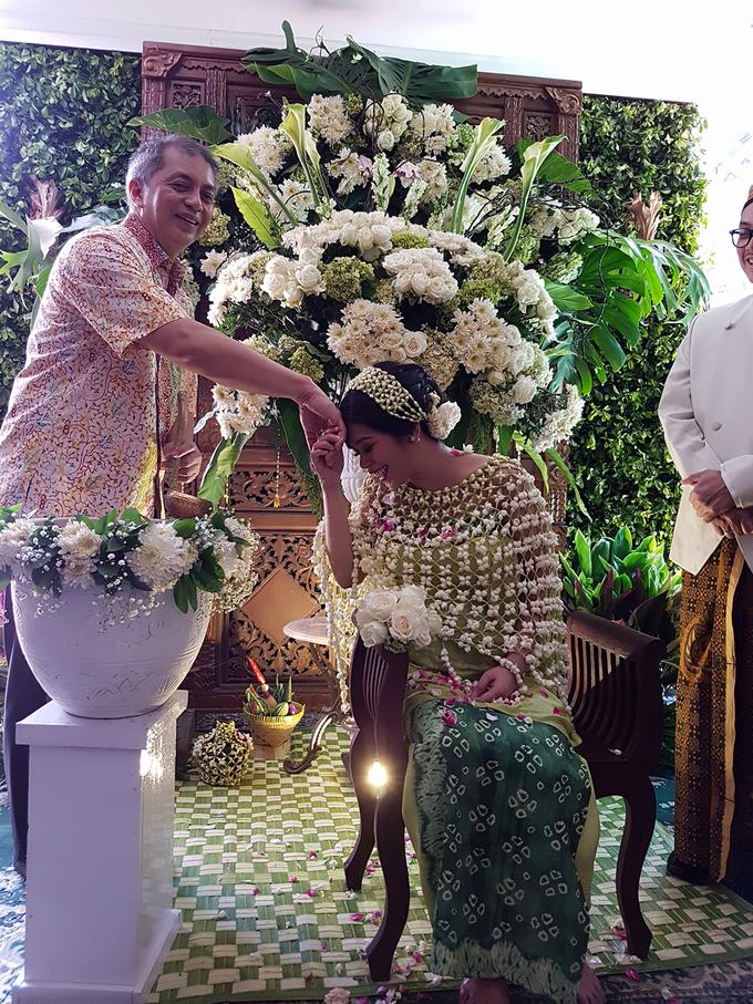 Mitoni Diza by Arum Ndalu Sanggar Rias Pengantin - 003