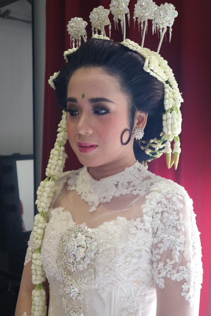 Inca's wedding by Arum Ndalu Sanggar Rias Pengantin - 008