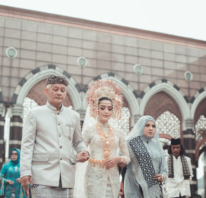 Sacred Wedding in Kubah Emas Grand Mosque by DES ISKANDAR - 009