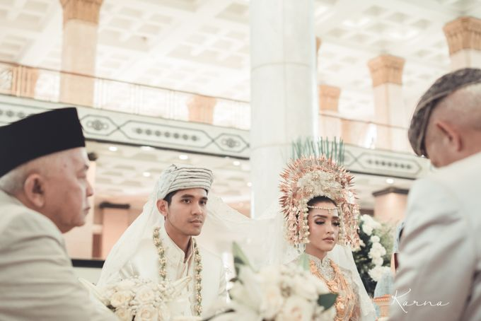 Sacred Wedding in Kubah Emas Grand Mosque by DES ISKANDAR - 011
