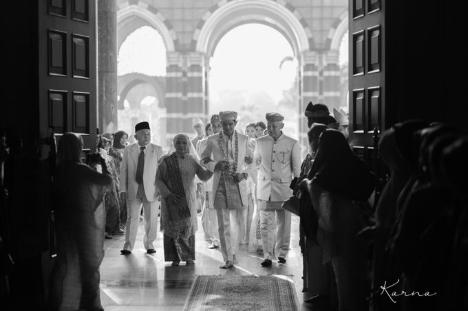 Sacred Wedding in Kubah Emas Grand Mosque by DES ISKANDAR - 027