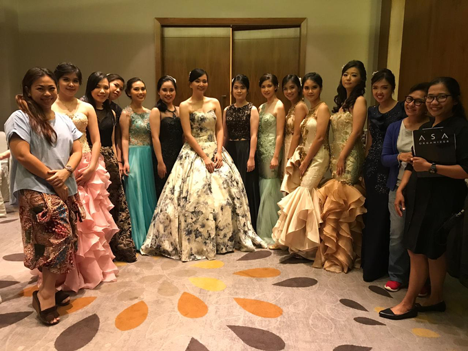 Fashion Show at the Wedding of ALVIN ❤️ FIONNA by Pullman Jakarta Indonesia - 002