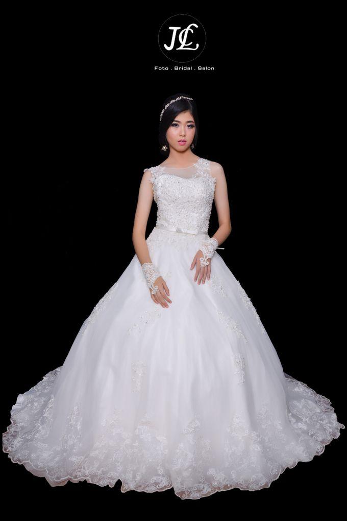 GOWN WEDDING II by JCL FOTO BRIDAL SALON - 001