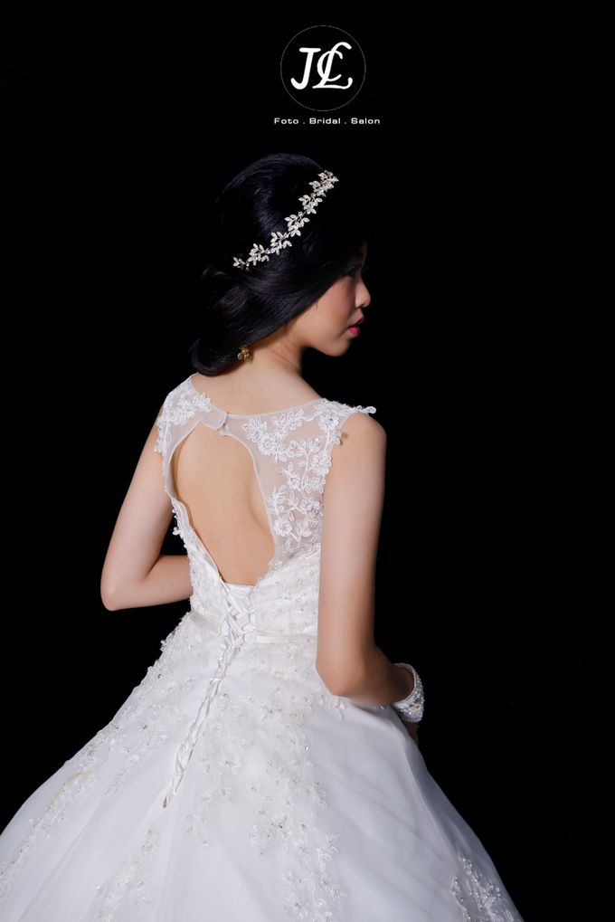 GOWN WEDDING II by JCL FOTO BRIDAL SALON - 003