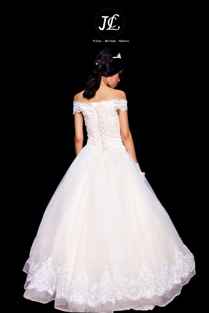WEDDING GOWN  XXX by JCL FOTO BRIDAL SALON - 002