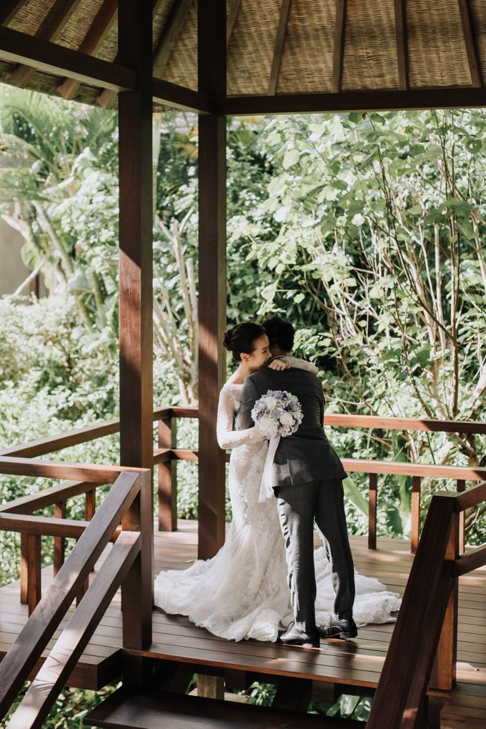 Glasshouse Tirtha Bali Wedding of Ashley & Yoke Song by fire, wood & earth - 011