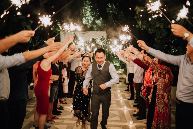Glasshouse Tirtha Bali Wedding of Ashley & Yoke Song by fire, wood & earth - 039