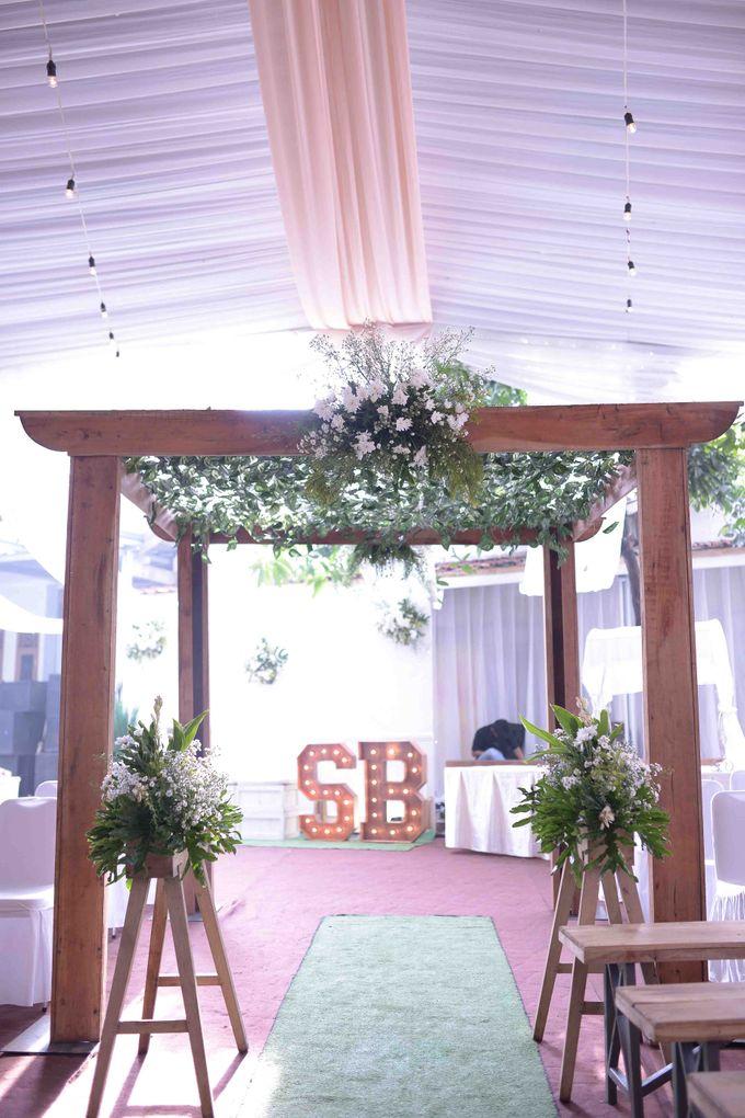 The Wedding of Stevani & Bobi by Decor Everywhere - 010