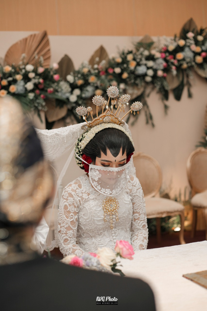 Dekorasi Type Lily,Intimate wedding Dessy & Subhan by AT Decoration - 001