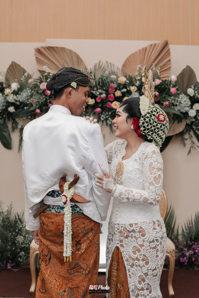 Dekorasi Type Lily,Intimate wedding Dessy & Subhan by AT Decoration - 002