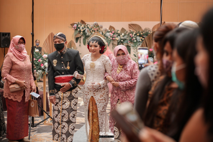 Dekorasi Type Lily,Intimate wedding Dessy & Subhan by AT Decoration - 003