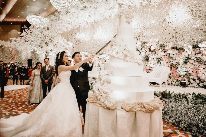 Vicky & Venita Wedding by Atelier de Marièe - 008